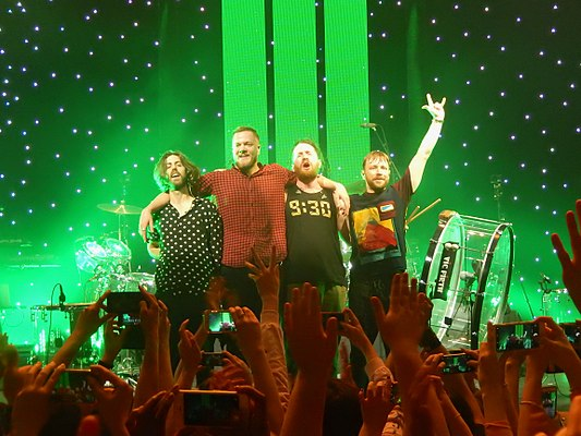 533px-Imagine_Dragons,_Roundhouse,_London_(35390234536)